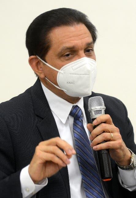 Ministro cree que Sinovac evitó  el colapso sistema sanitario y más muertes