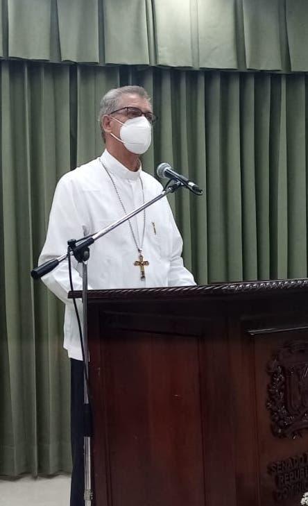 Monseñor Diomedes Espinal pide diálogo Haití-RD por Masacre