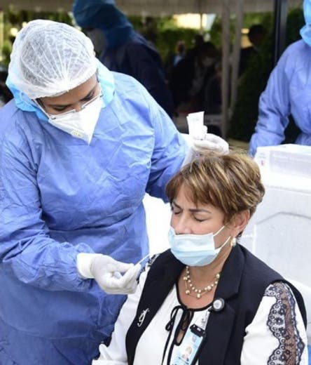 Unas 400 personas resultaron positivas al coronavirus en las últimas 24 horas