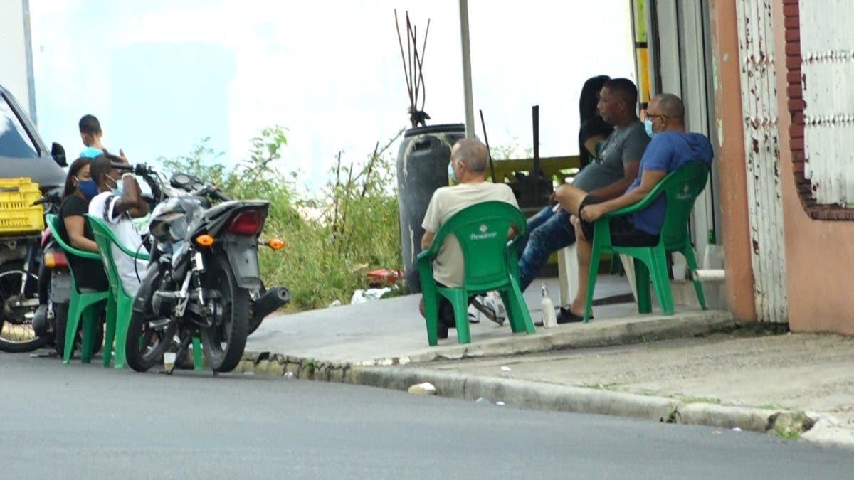 Ciudadanos se quejan por nuevo toque de queda para el Gran Santo Domingo