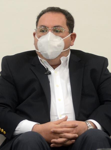 Director SNS responde al exministro de Salud Pública