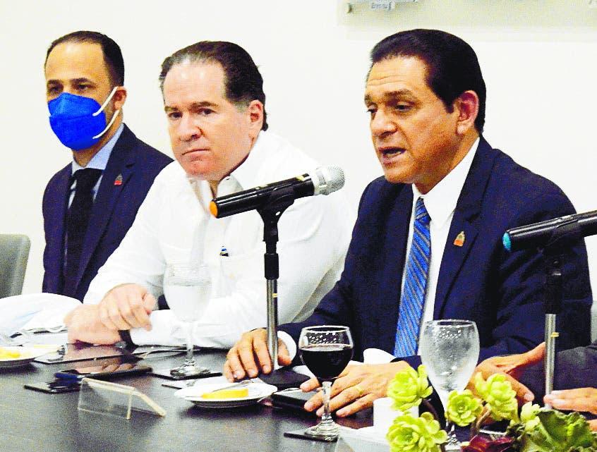 Rivera favorece siga reapertura gradual de las escuelas