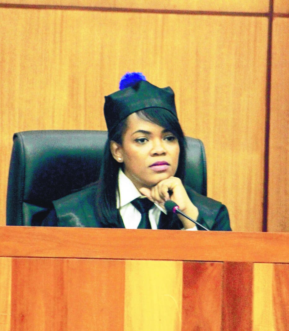 Jueza fallará  lunes coerción a encartados del caso Coral
