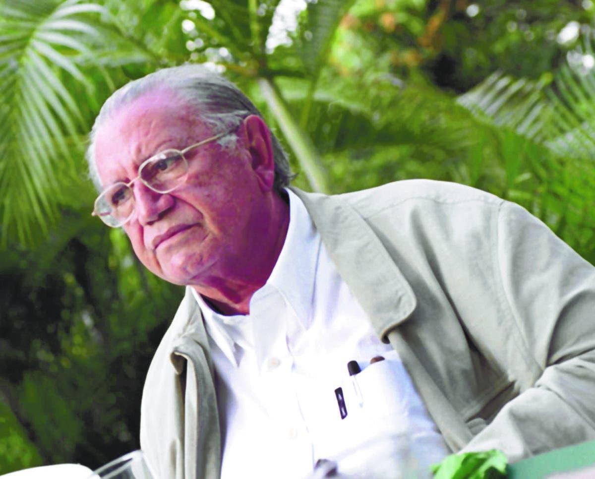 Marcio Veloz Maggiolo, poeta