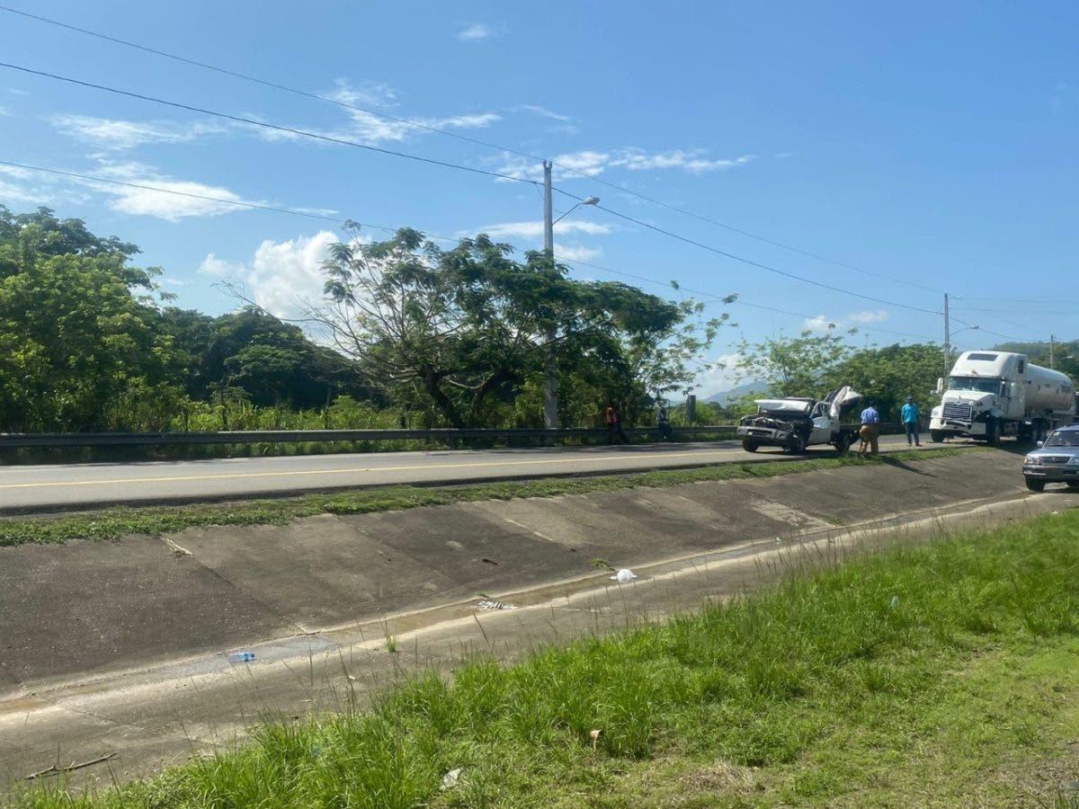 La Vega: Siete vehículos involucrados en accidente de tránsito