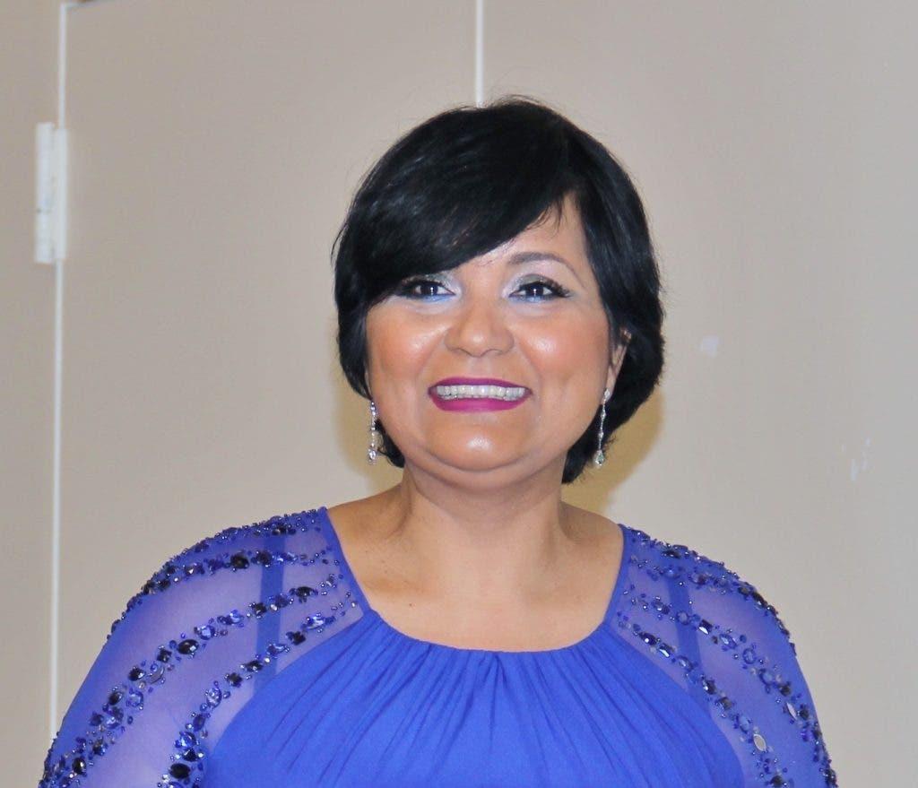 Comunicadores defienden gestión de Comisionada Dominicana de Cultura Lourdes Batista