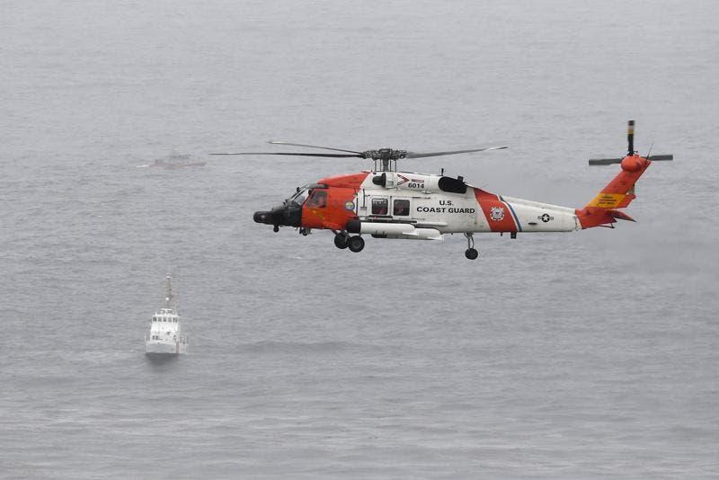 Dos muertos y al menos 23 heridos tras voltearse un bote en San Diego