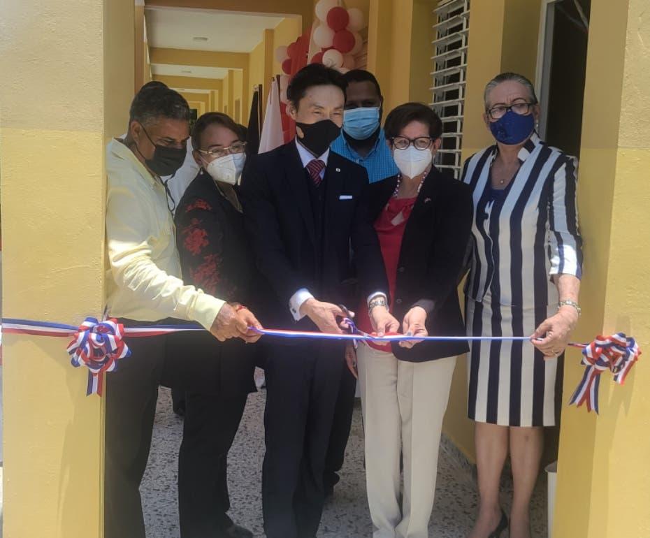 Japón inaugura escuela agrícola en Villa Tapia