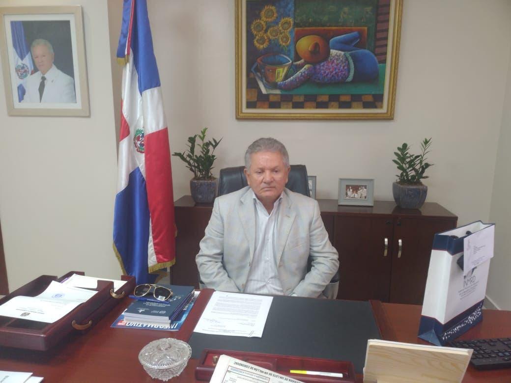 Senador Virgilio Cedano respalda sea obligatorio vacunar contra Covid-19 a empleados
