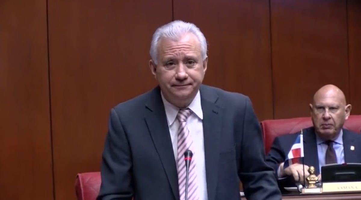 Senador solicita crear comisión bicameral para estudio de ley sobre extinción de dominio