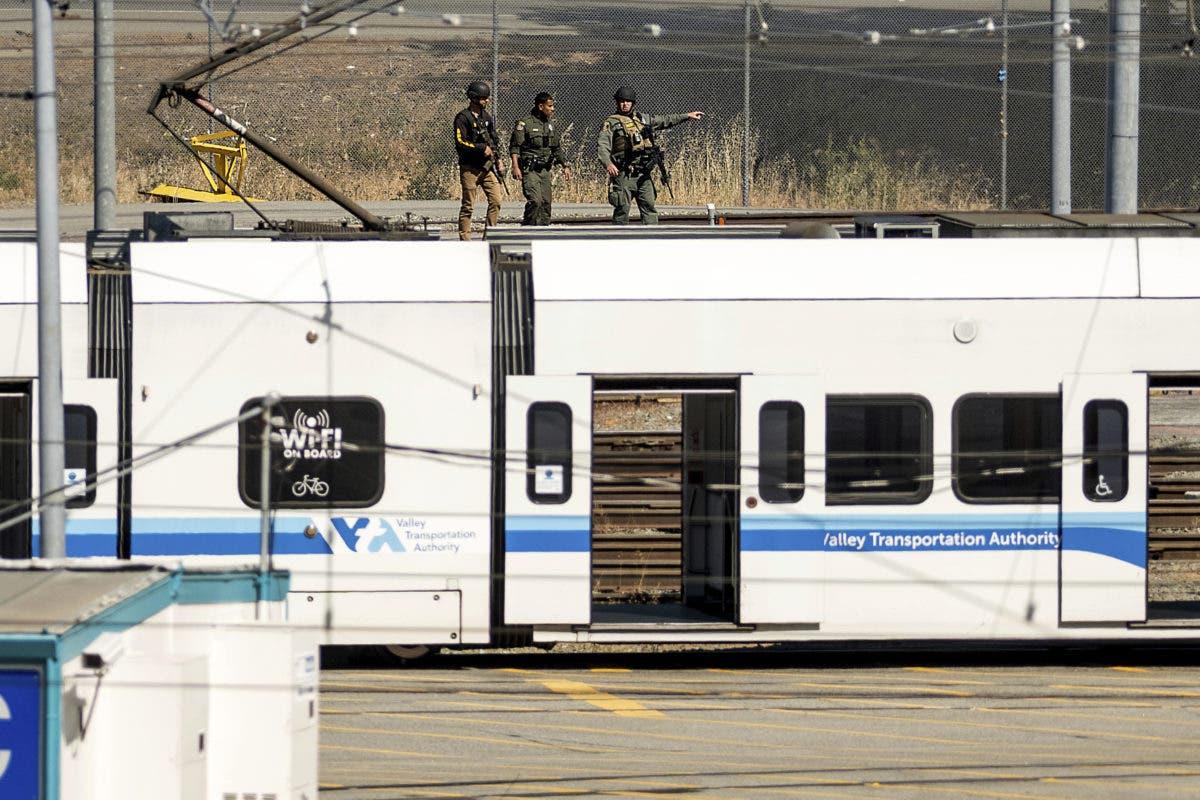Ascienden a 10 los muertos en tiroteo de California