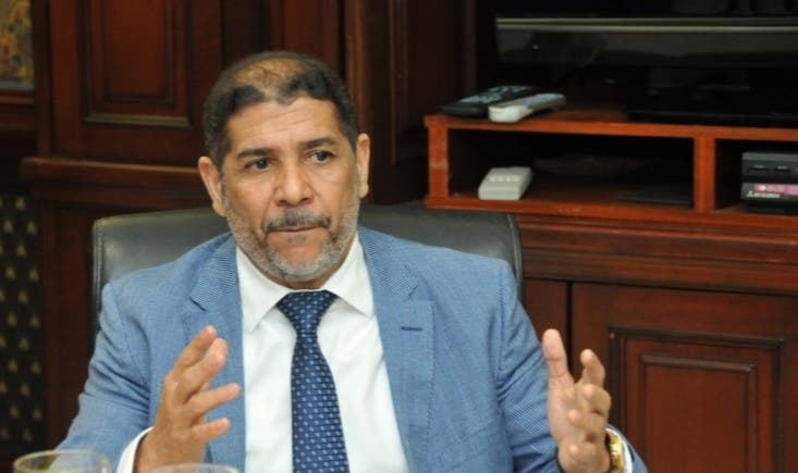 Embargan cuentas bancarias al ministro de Agricultura