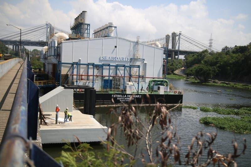 Procuraduría allana barcazas de Seaboard en el río Ozama