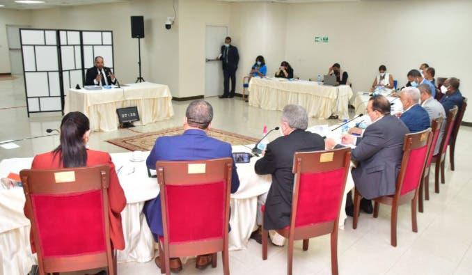 Comisión especial del Senado concluye entrevistas aspirantes Defensor del Pueblo