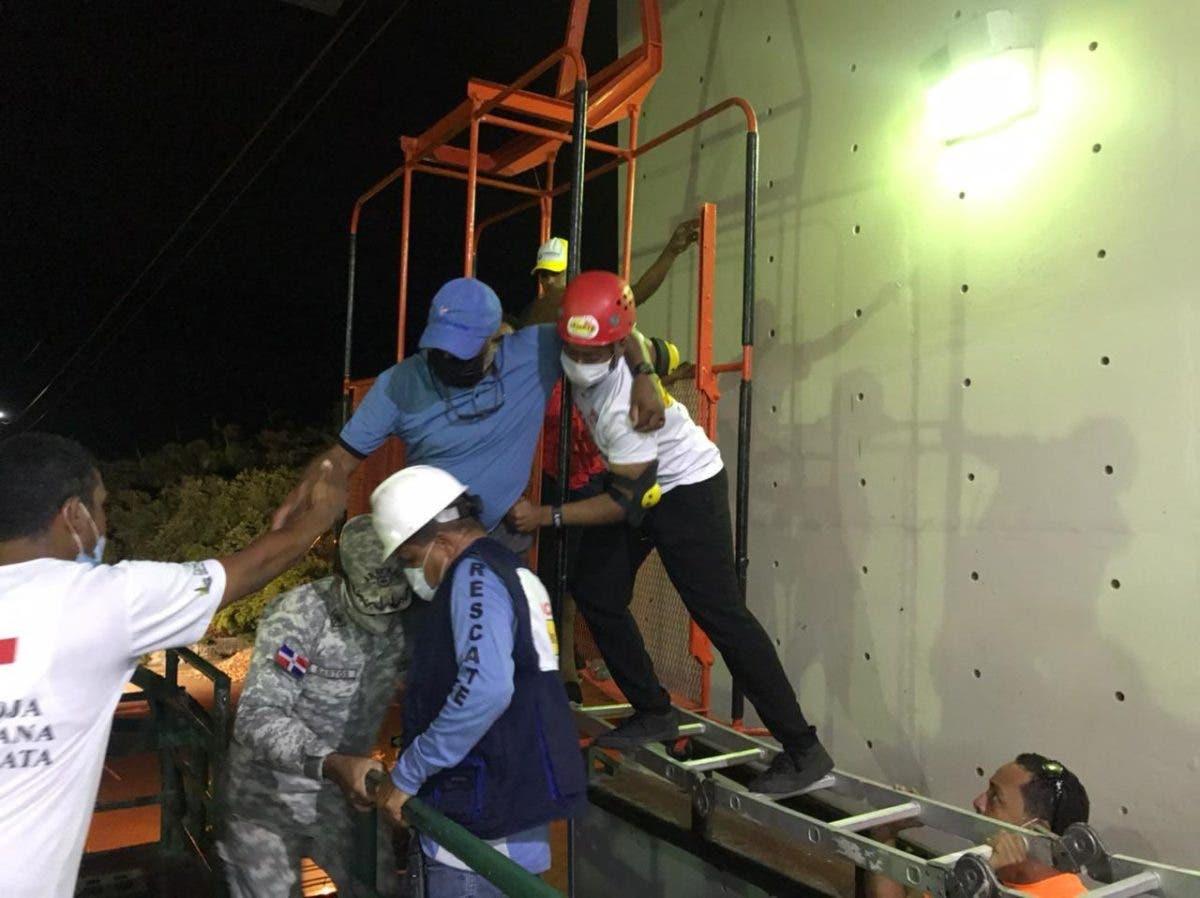 En fotos y videos: Así fueron rescatados los pasajeros del teleférico de Puerto Plata