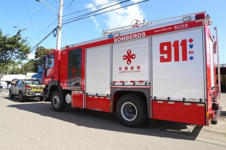 Incendios afectan varios locales comerciales, una vivienda y un vehículo