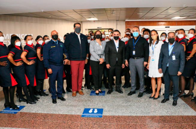 Conozca primera graduación de técnicos aeronáuticos en avión en pleno vuelo en AILA