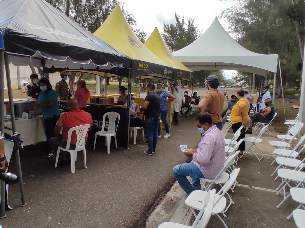 Santiagueros abarrotaron centros de vacunación ampliado contra covid-19