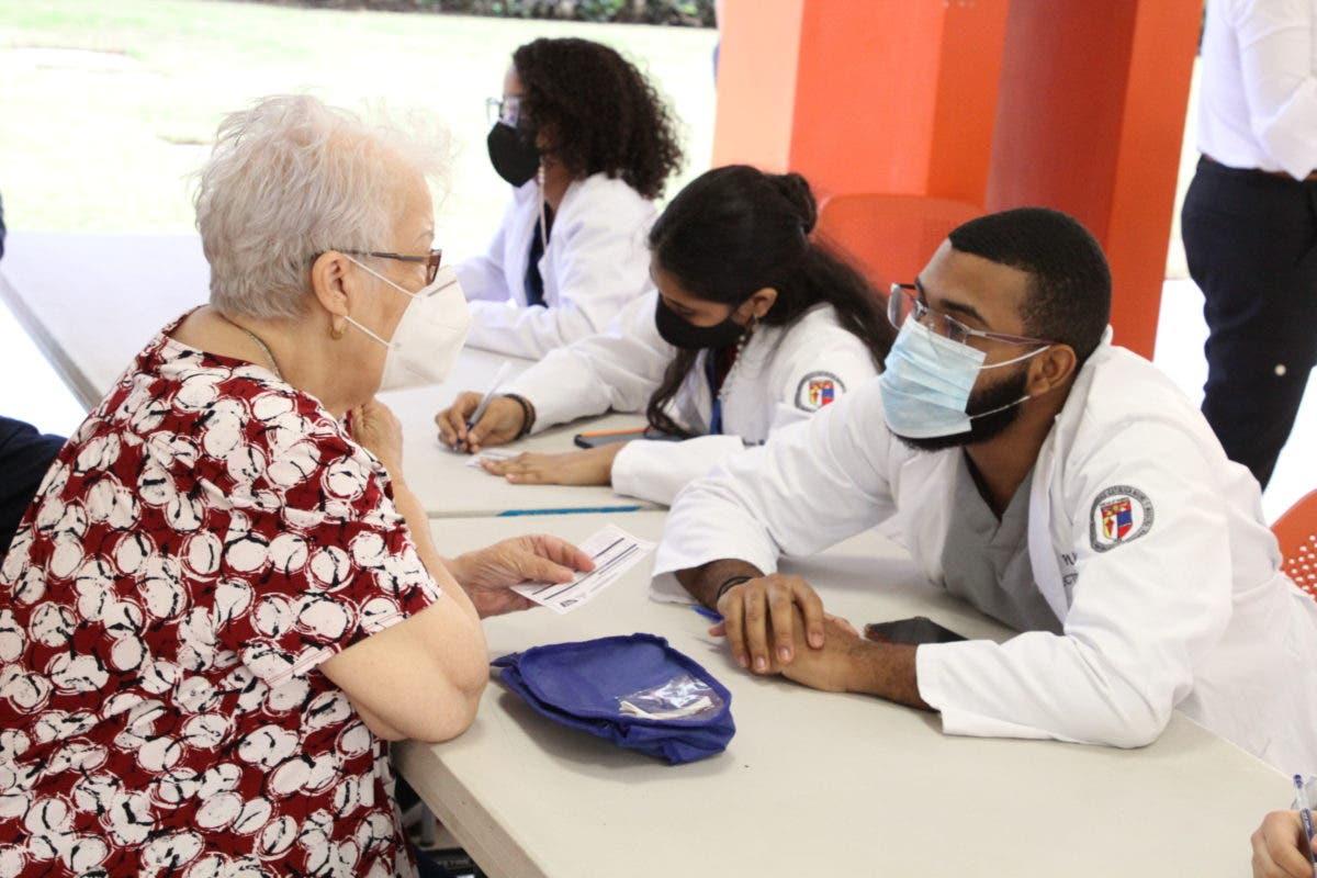 PUCMM cesa temporalmente la vacunación en campus Santo Domingo