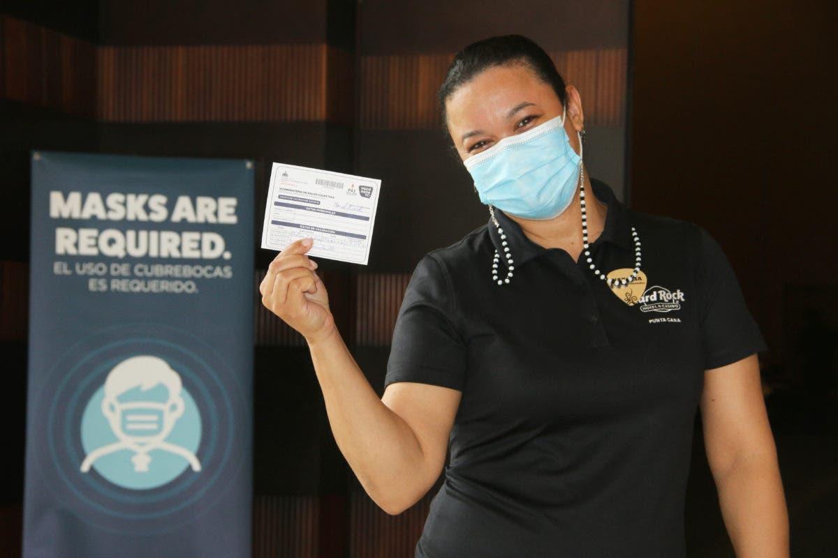 Colaboradores de Hard Rock Hotel & Casino Punta Cana recibieron primera dosis de vacuna contra COVID