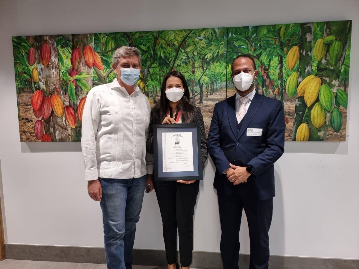 Rizek Cacao recibe certificación de firma internacional AENOR