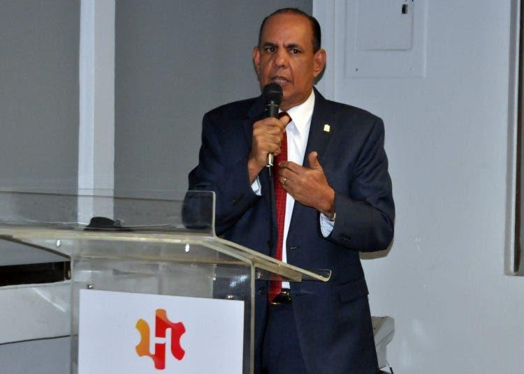 Presidente de ANEIH critica que gobierno «sorprenda» con una reforma tributaria