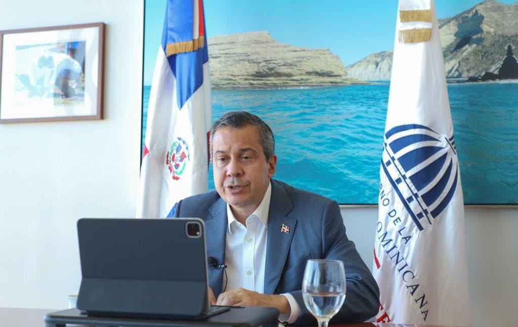 Ministro Medio Ambiente llama al empresariado a contribuir con el desarrollo sostenible del país