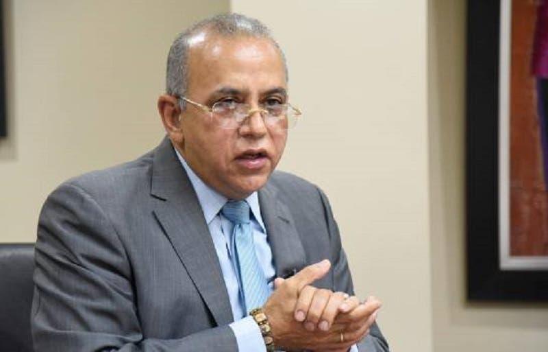Eligen al doctor Plutarco Arias presidente Cenicardio de clínica Unión Médica