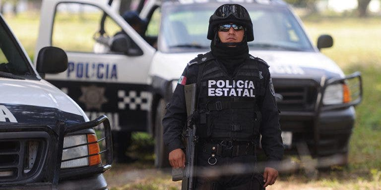 Desmembran a cinco hombres e incendian autos en oeste de México