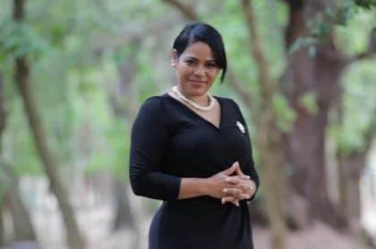 Abogado dice pastora Rossy Guzmán no es socia de Raffis Drink
