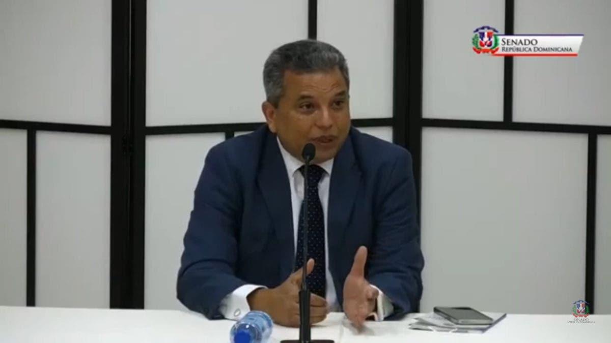Fidel Santana dice que no tiene militancia política que le impida ser elegido Defensor del Pueblo