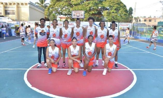 Yunilsa Gutiérrez conquista serie regular 2do torneo basket femenino SFM