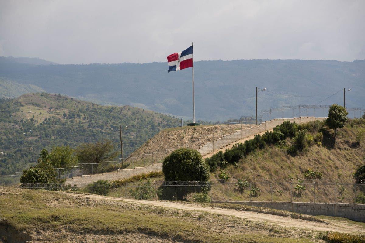 Las siete decisiones que tomó el gobierno dominicano ante asesinato de Jovenel en Haití