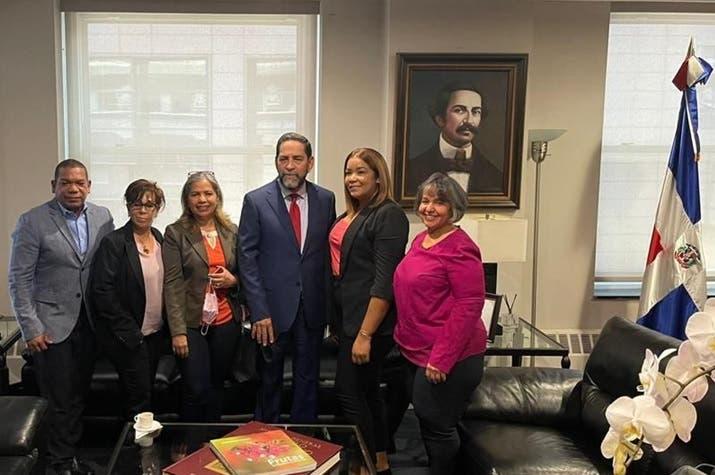 Valoran apoyo ofrece cónsul RD-NY a comunidad de Chiringo en RD