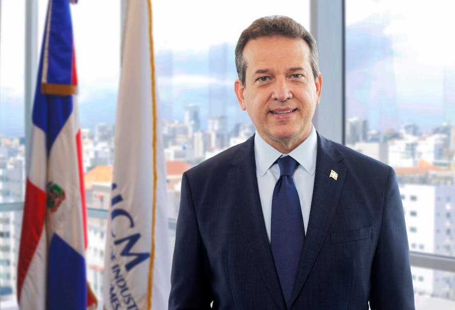 Ministro de Industria y Comercio visitará España para proyectar RD como destino de inversión