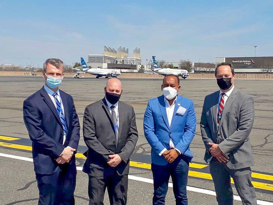 Departamento Aeroportuario conoce funcionamiento del Aeropuerto Internacional Boston Logan