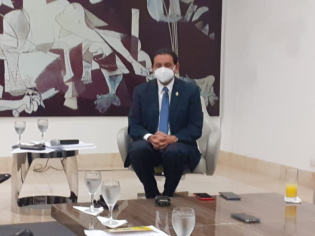 Ministro de Salud Pública favorece regreso a la docencia presencial