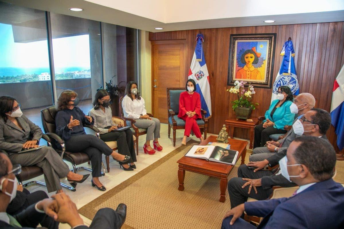 Primera dama y rectora de la UASD harán acuerdo de colaboración en beneficio de niñez y adolescencia