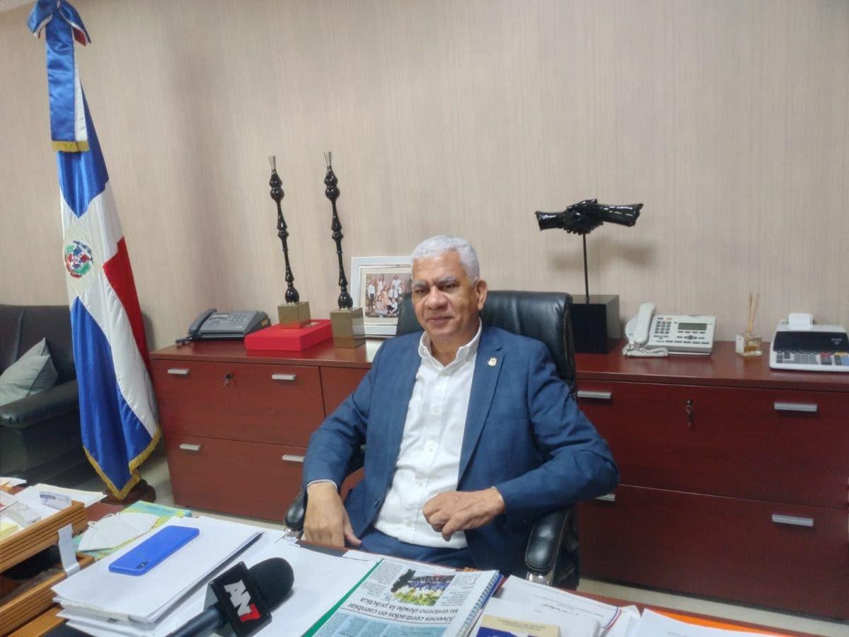 Senador asegura ideales de Peña Gómez son aplicados por Luis Abinader
