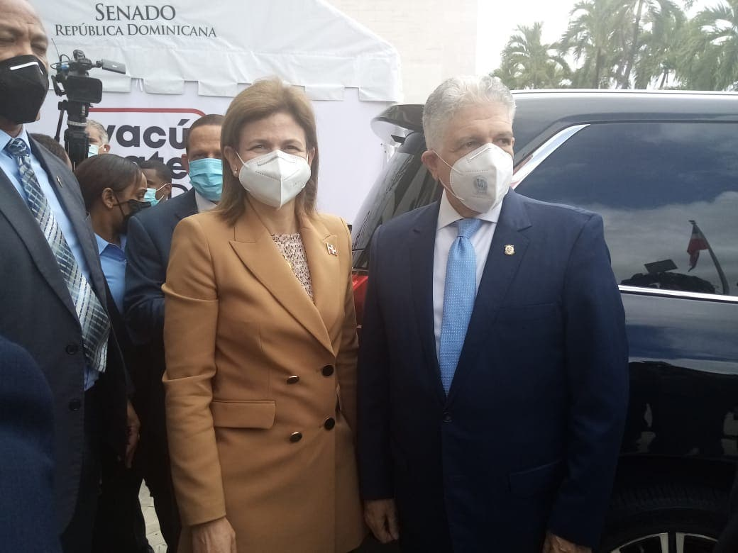 Raquel Peña reitera a la población a que acuda a vacunarse contra COVID-19