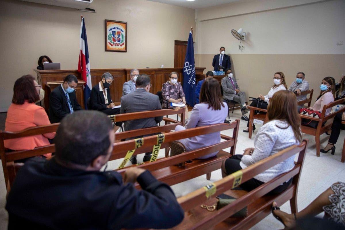 Miriam Germán Brito sostiene encuentro con fiscales de provincias del Cibao