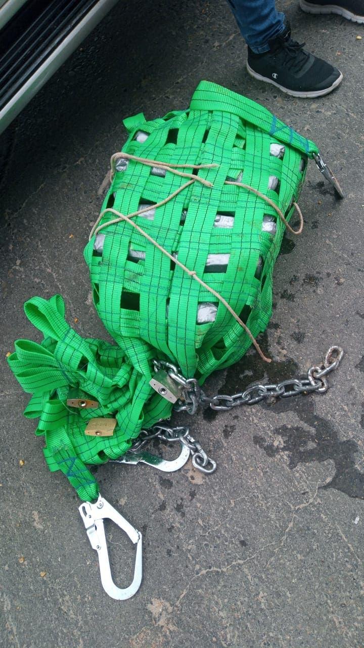 Ocupan paquetes droga escondidos debajo de buque en Puerto de Haina