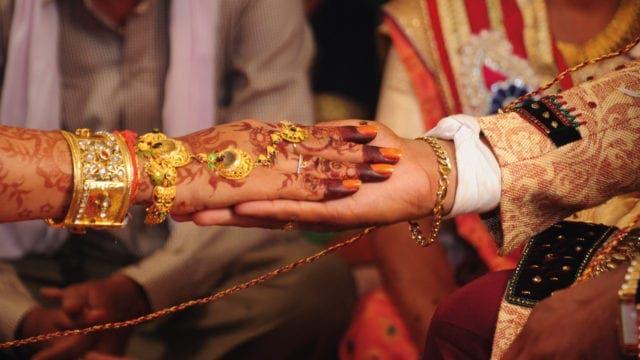 Una boda india en un avión y en pleno confinamiento desata una investigación