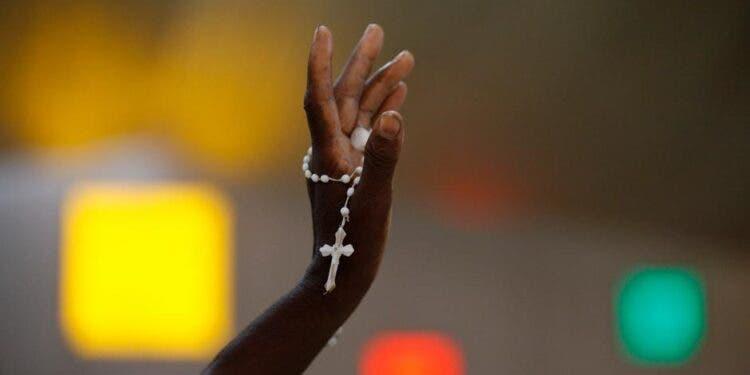 """Sacerdote secuestrado en Haití predicó la """"no violencia"""" a sus captores"""
