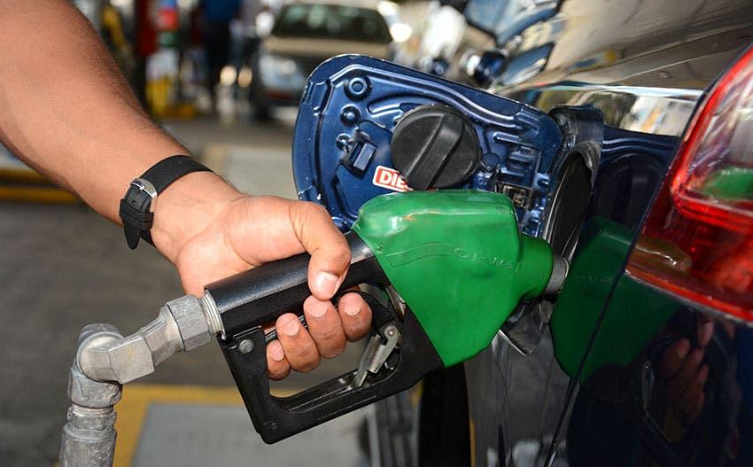 Gobierno congela los precios de todos los combustibles