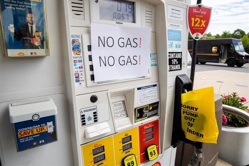 Escasez de combustible se agudiza en EEUU por ciberataque a red de oleoductos