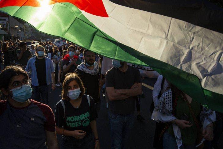 Decenas de personas cruzan la frontera a Israel en apoyo a los palestinos