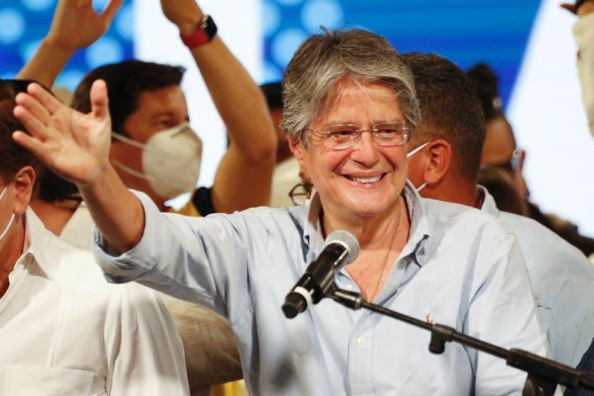 El conservador Guillermo Lasso jura como nuevo presidente de Ecuador