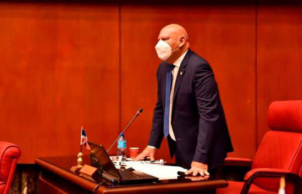 """Senador pide declarar de urgencia Ley de Extinción de Dominio """"para recuperar dinero robado al Estado"""""""