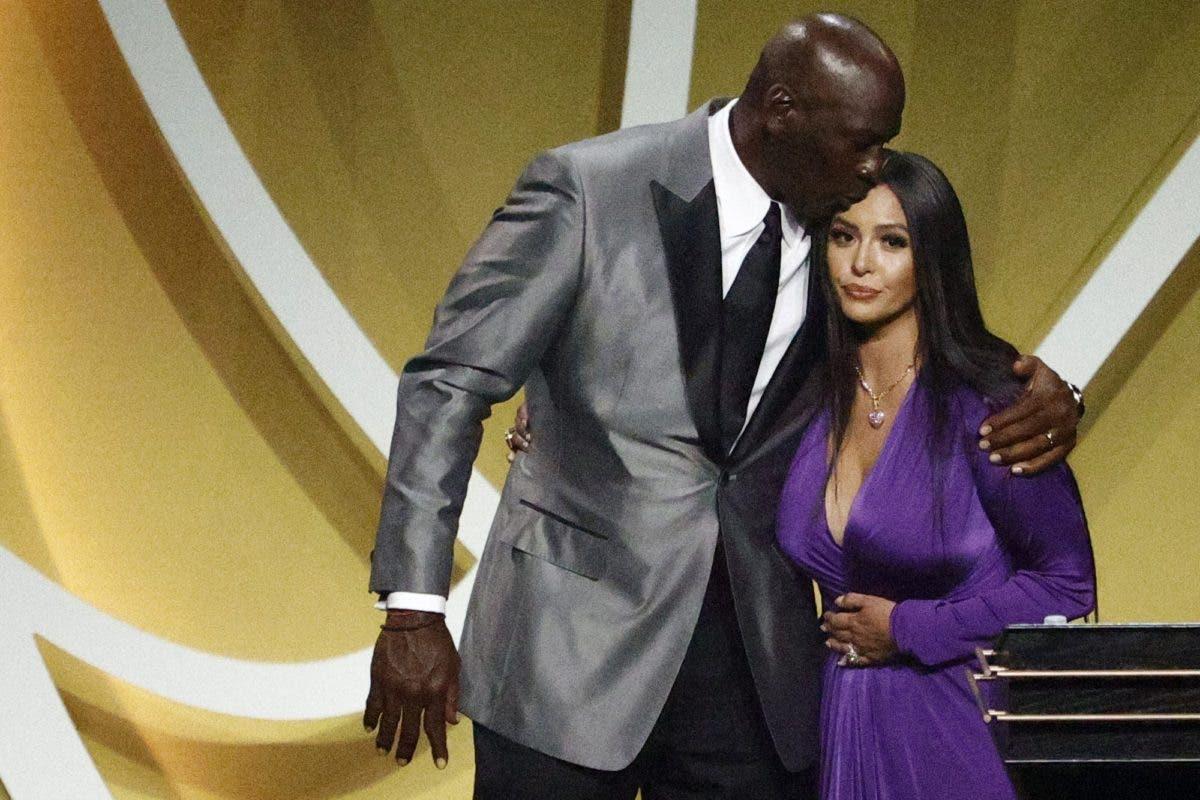 Emotivo discurso de Vanessa Bryant y las lágrimas de Michael Jordan en el Paseo de la Fama